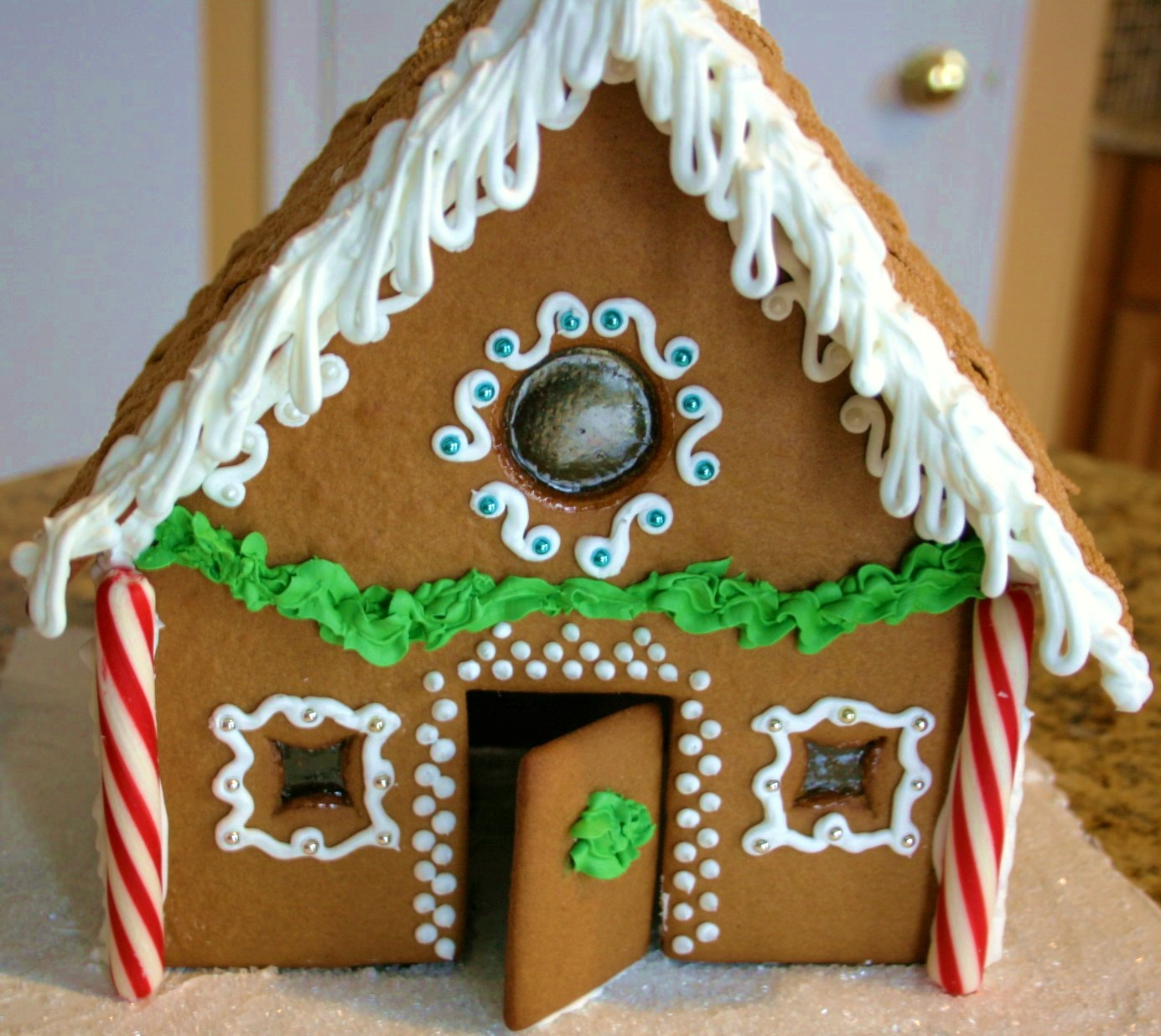 Gingerbread House, From Dough to Decorating