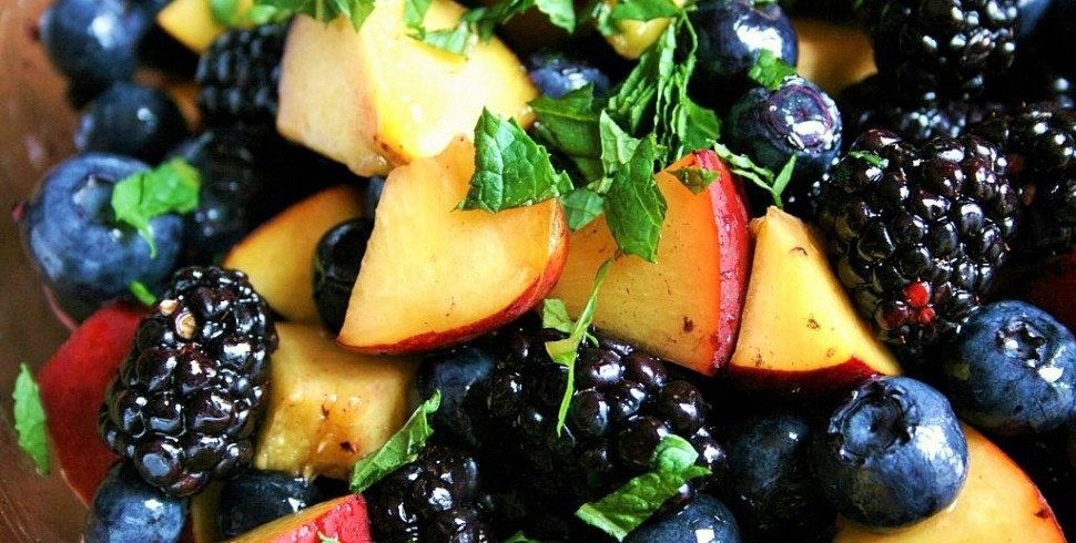 Honey Mint Peach Berry Salad