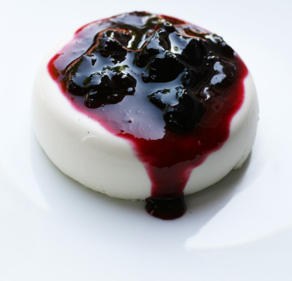 White Chocolate Vanilla Bean Panna Cotta (19)