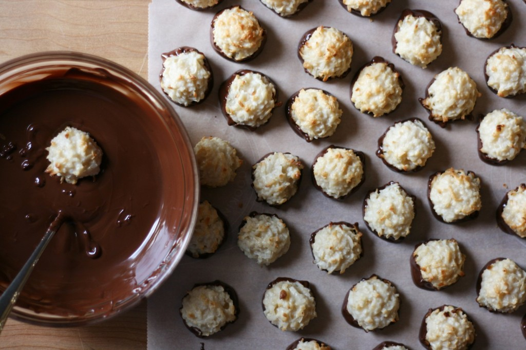 Coconut Macaroons (12)