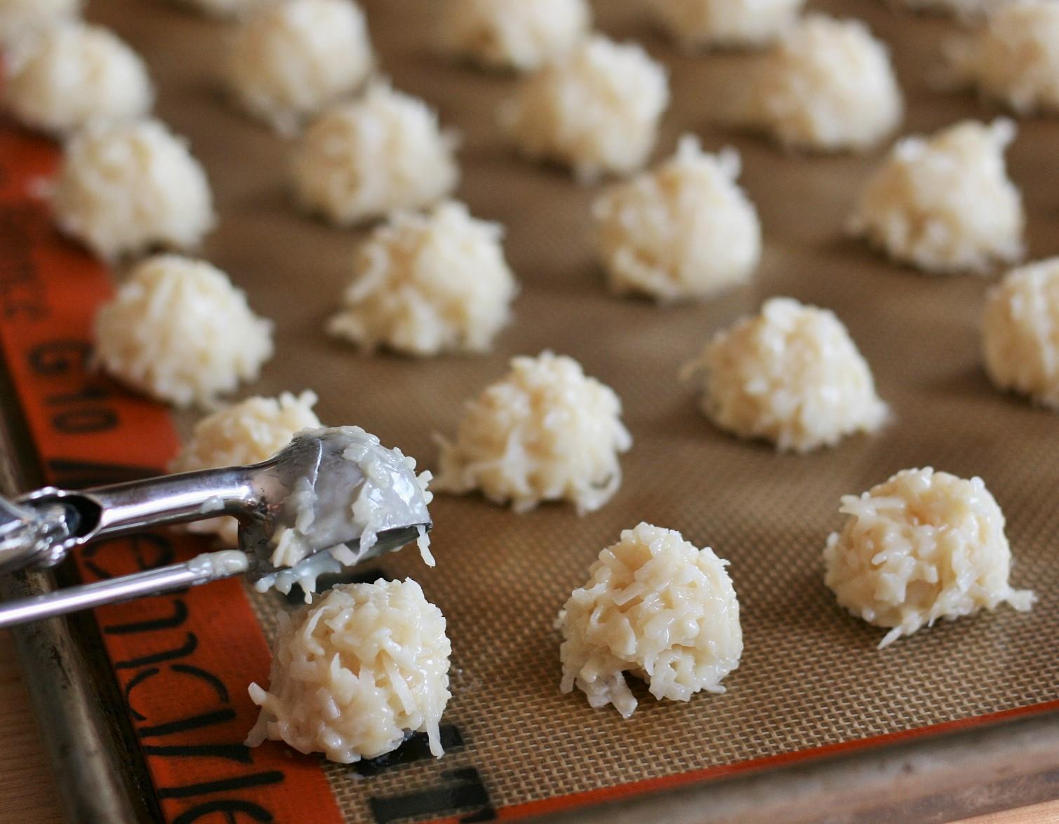Coconut Macaroons (5)